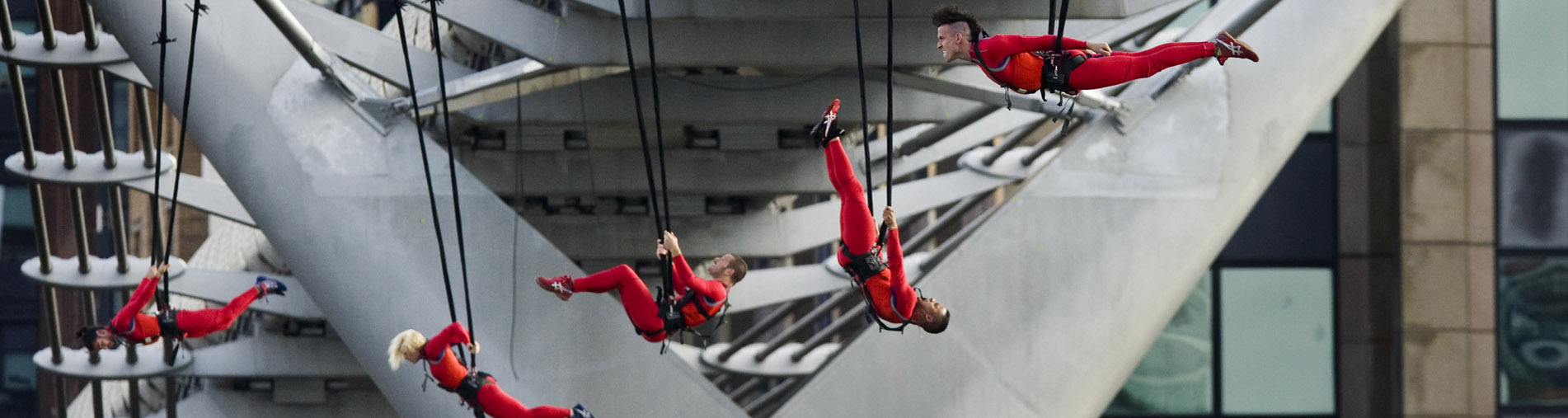 Streb Aerial Acrobats - London Eye, 2012